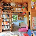 Stara učilnica v mali leseni hiški (foto: Mateja Jordović Potočnik)