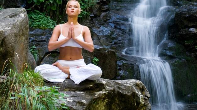 Filozofija Iyengar joge temelji na zavedanju telesa (foto: Shutterstock)