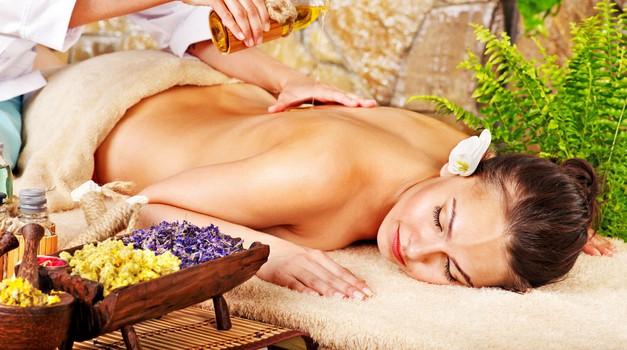 Aromaterapija - naravna pomoč za ravnovesje (foto: Shutterstock)