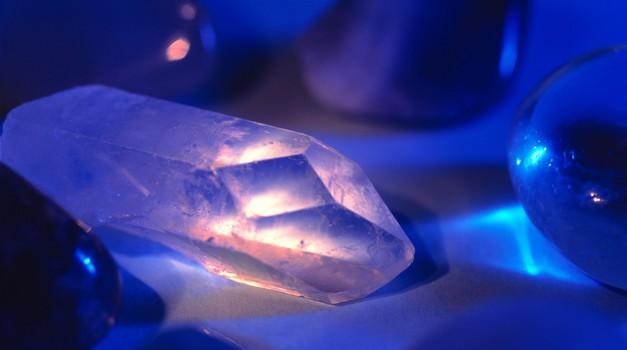 Kristali zdravijo na energetski ravni in zato zdravijo vzrok bolezni. (foto: Profimedia)