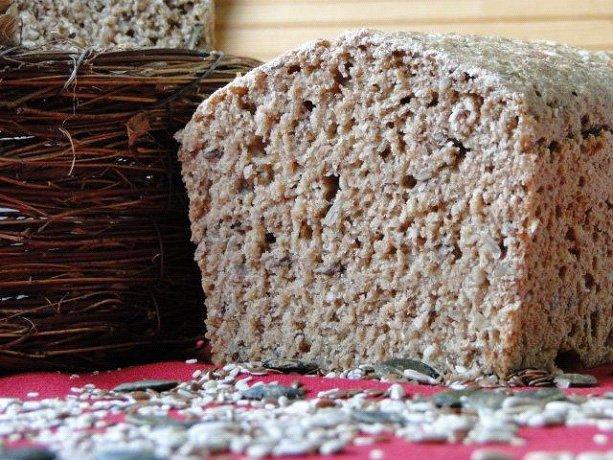 Pirin kruh s semeni