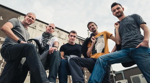 Vabljeni na veliki koncert skupine Shamballa v Cankarjevem domu (z gostjo Tinkaro Kovač) (foto: Shamballa)