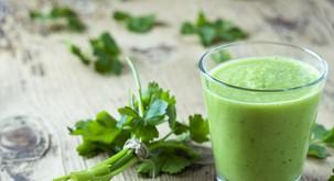 Prehranska strokovnjakinja svetuje tale odličen zeleni napitek za čiščenje telesa