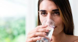 Sensa je preizkusila: Čiščenje črevesja s slano vodo
