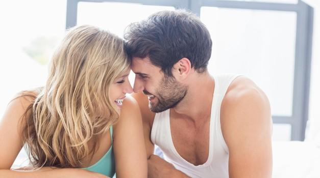 Kolumna: Senčne plati običajnega seksa (foto: Profimedia)