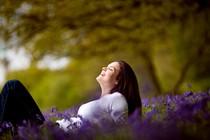 zenska-pomlad-sprostitev-mir-veselje