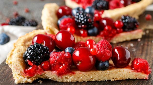 Recept: : Veganska pita z gozdnimi sadeži (foto: Profimedia)