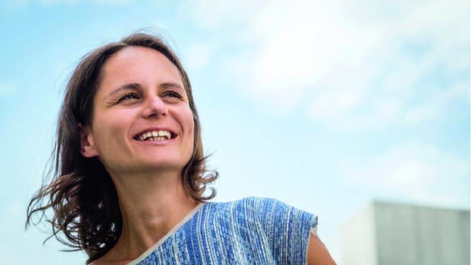 """Urška Lan: """"Sreča je, da lahko pomagam s tem, kar me navdihuje."""" (foto: Nataša Šilec)"""