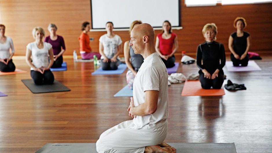 Sensa joga vikend v Bohinju z Robertom Hönnom (foto: Helena Kermelj)