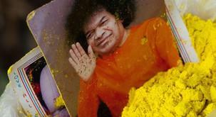 """Sai Baba: """"Človeštvo dviguje svojo zavest kot nikoli poprej."""""""