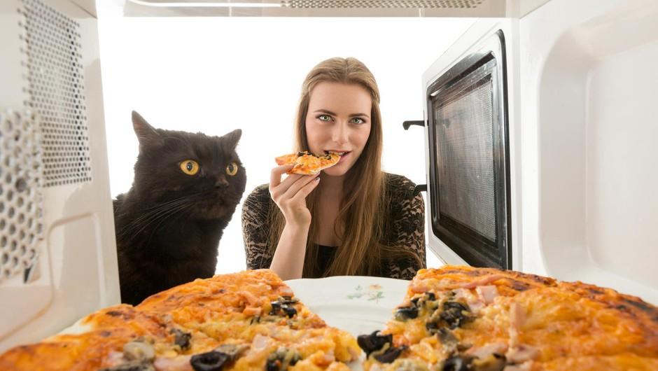 Še vedno uporabljate mikrovalovno pečico? (foto: profimedia)