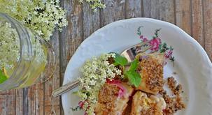 Recept: Štruklji z bezgovimi cvetovi in sadjem
