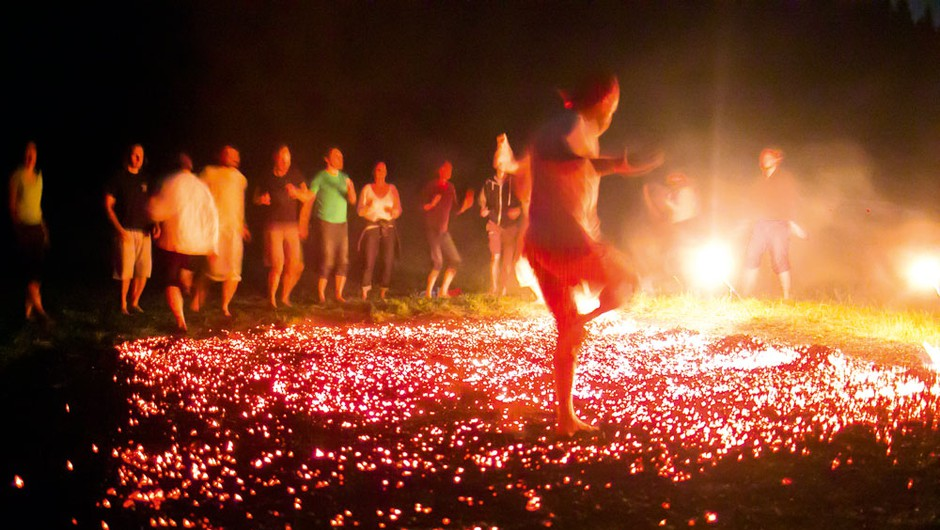 Ples po ognju: Let na krilih ognjene zavesti (foto: Klemen Brumec)