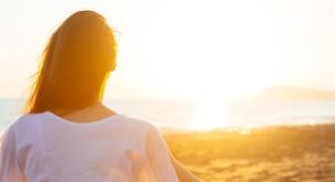 Rumi: Kdor se zaveda ljubezni kot povezujoče kozmične niti, se zaveda enosti vsega obstoječega