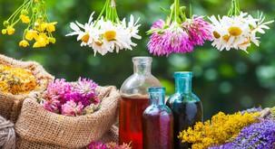 4 naravni pripravki za nego kože poleti (+ olje za sončenje)