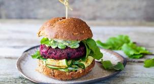 Recept: Burger iz rdeče pese