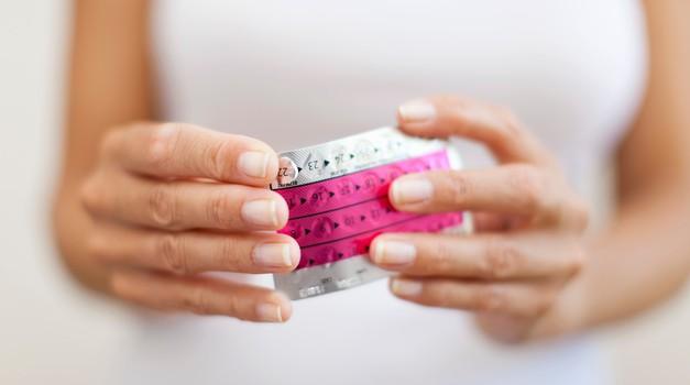 Temna plat kontracepcijskih tablet