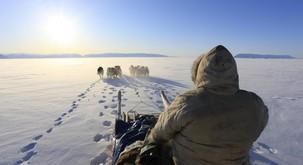 """Inuitske starešine opozarjajo svet in Naso, da se je """"Zemlja premaknila"""""""