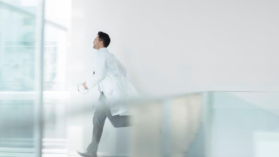 """Zdravnik pravi: """"Ni neozdravljivih bolezni."""" (foto: profimedia)"""