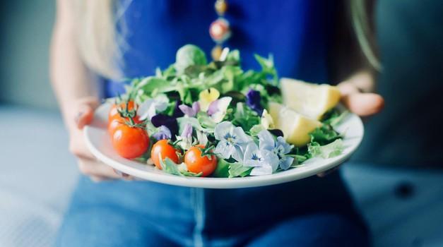 Stereotip #2: Vsi jogisti so vegani ali vegetarijanci (foto: profimedia)