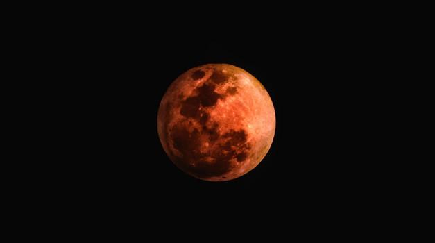 Prihaja najdaljši (krvavi) lunin mrk v tem stoletju (27. julij) (foto: unsplash)
