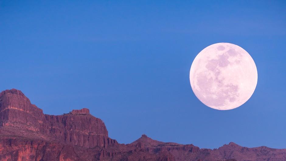 Septembrska polna luna (25. 9.) v ovnu (foto: unsplash)