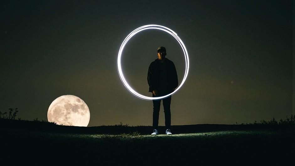 Torek (23. 10.): Nemir pred polno luno (foto: unsplash)