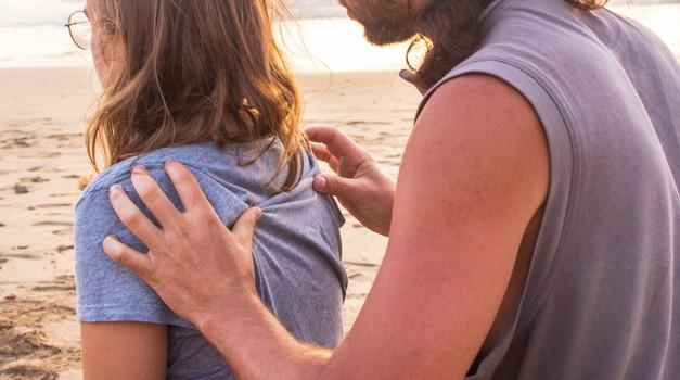 4 razlogi, zakaj bi morali še danes zvečer zmasirati svojega partnerja (foto: unsplash)