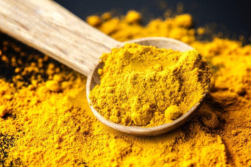 Kurkumin ima številne zdravilne lastnosti.