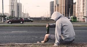 Alkohol in droge: bežanje in skrivanje pred seboj