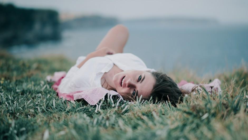 Potlačena čustva se pogosto manifestirajo kot problemi z jajčniki, maternico ali mehurjem (foto: unsplash)
