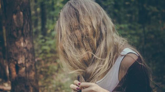 Dolgi lasje nam dajejo modrost in nas povezujejo z višjimi silami (foto: pixabay)