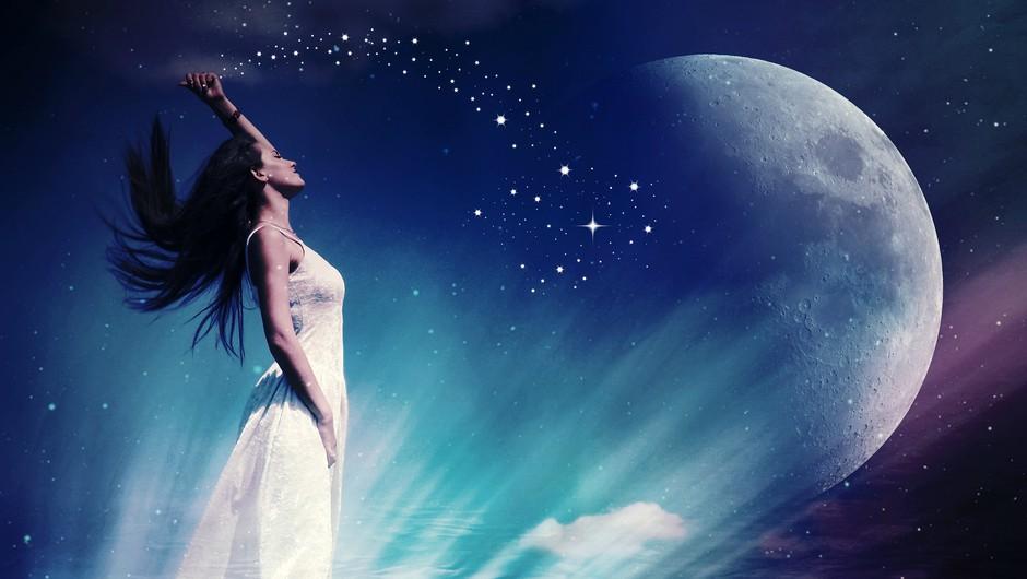 Lunin mlaj (7. december) v strelcu (foto: pixabay)