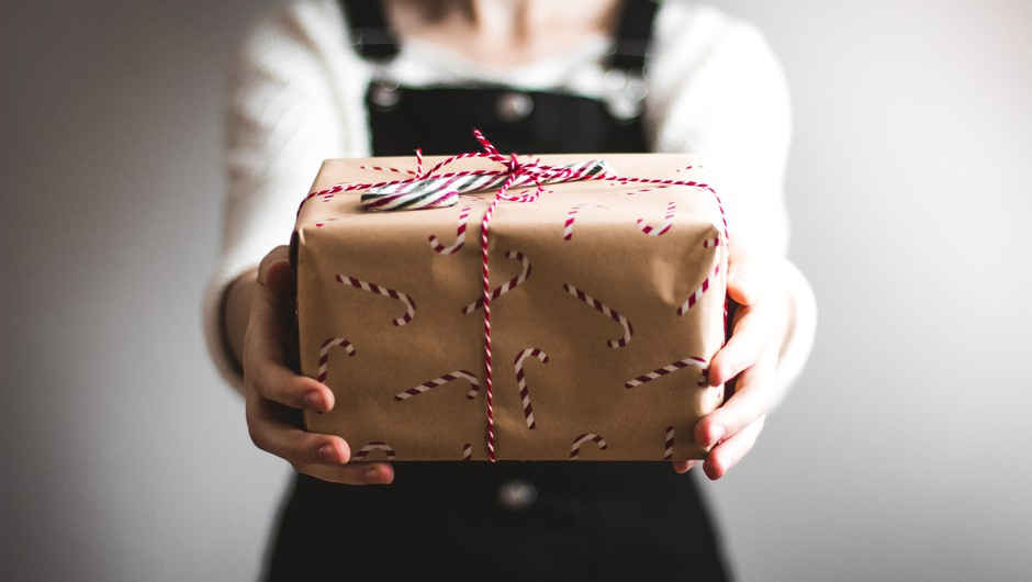 Poslovna darila – se na njih spomnite le ob koncu leta? (foto: unsplash)
