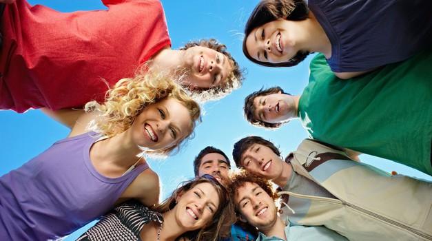 Mladi upi prejšnjih generacij pozivajo mlade k prijavi (foto: Profimedia)