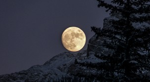 "Napoved za sredo (20. 3.): Polna luna ""gunca"""