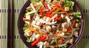 Recept: Veganska tajsko-navdahnjena skleda dobrot