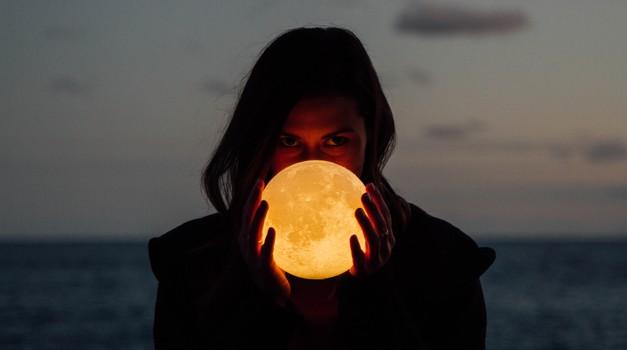 3 znamenja, ki bodo najbolj intenzivno občutila polno luno (foto: unsplash)