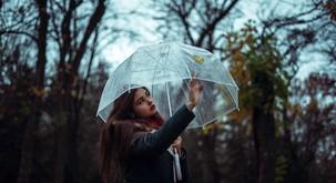 Sporočilo za današnji dan: Dež nas uči prilagajanja