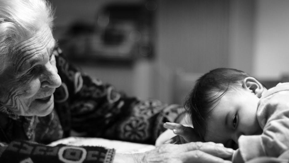 Neizrečeno in nepredelano se prenaša iz generacije v generacijo (foto: unsplash)
