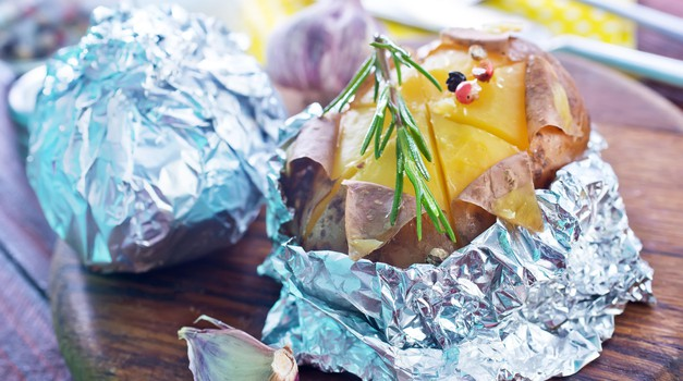 Kako nevarna je aluminijeva folija za pripravo hrane? (foto: Profimedia)