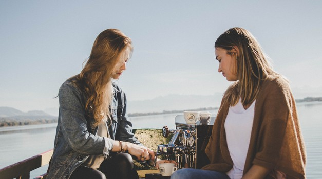 Zakaj se empatični ljudje zaprejo ob neiskrenih ljudeh?