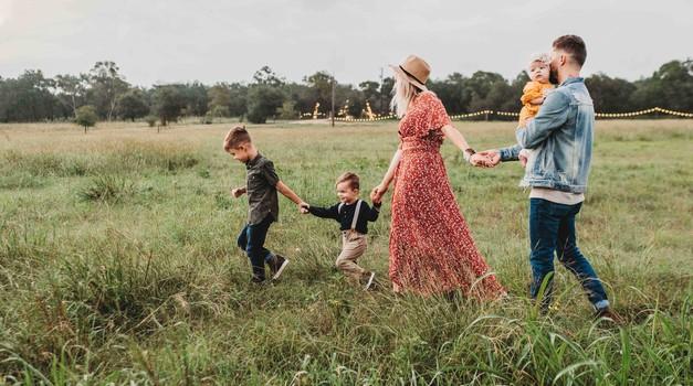 Zakaj odnos s starši tako oblikuje vse naše življenje? (foto: unsplash)