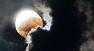 Polna luna in lunin mrk - najmočnejši vozel tega leta!