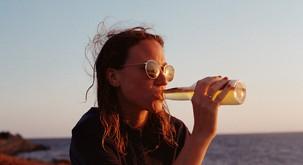 Čustvene bolečine ne moremo pregnati z alkoholom in opijati