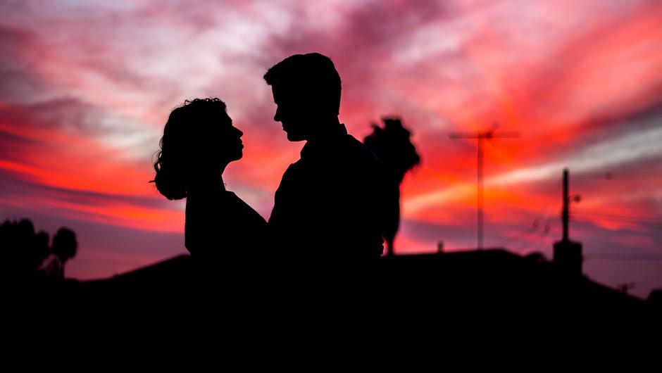Zaljubljenost se zgodi z namenom (foto: unsplash)