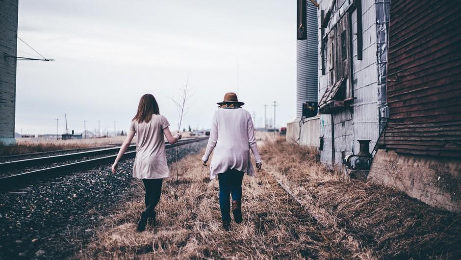Zakaj se empatični ljudje zaprejo ob neiskrenih ljudeh? (foto: unsplash)